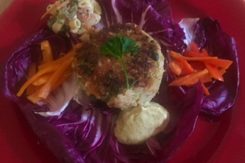 Fresh Wild Salmon Cakes With Garlic Aioli In Grilled Radicchio Leaves